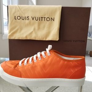 ⭐HOST PICK⭐🆕️😎 Louis Vuitton Sneakers